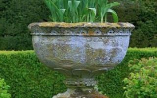 Как превратить старый комод в цветущий сад?